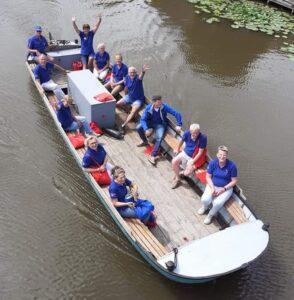 dorpsgidsen krijgen eigen boot